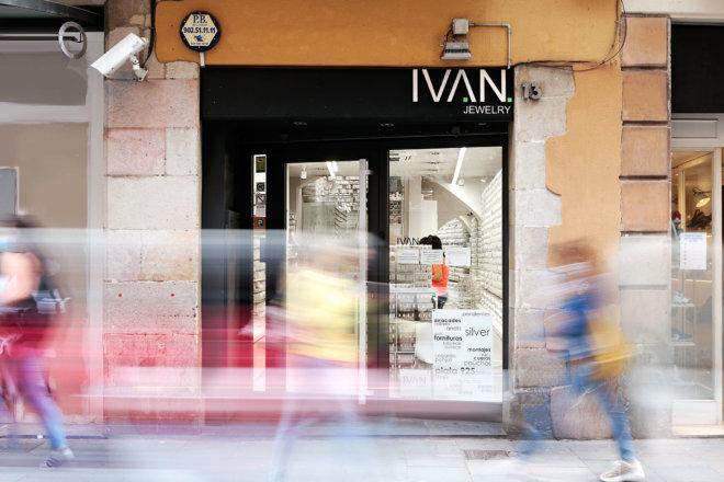 Fachada tienda plata al por mayor ivan jewelry